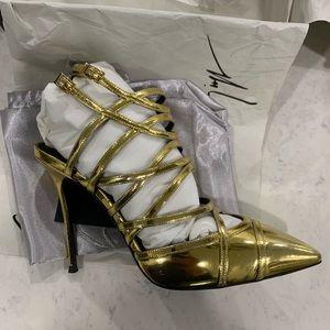 NWT Giuseppe Zanotti Gold Strap Heels